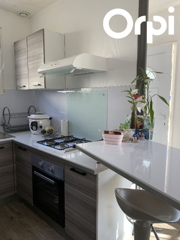 Maison à vendre 7 130m2 à Saint-Georges-de-Didonne vignette-11