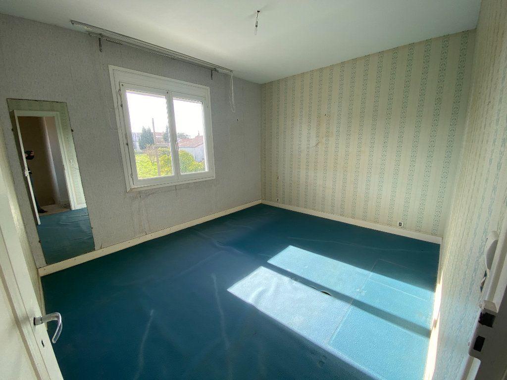 Maison à vendre 6 113.83m2 à Royan vignette-9