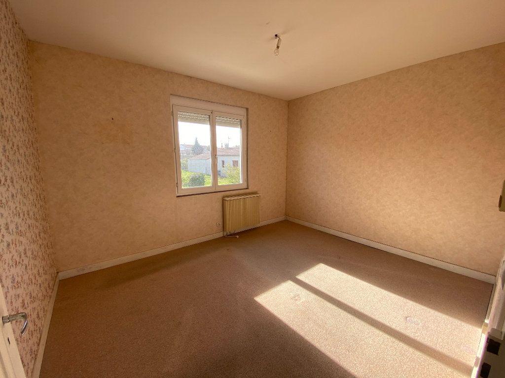 Maison à vendre 6 113.83m2 à Royan vignette-12