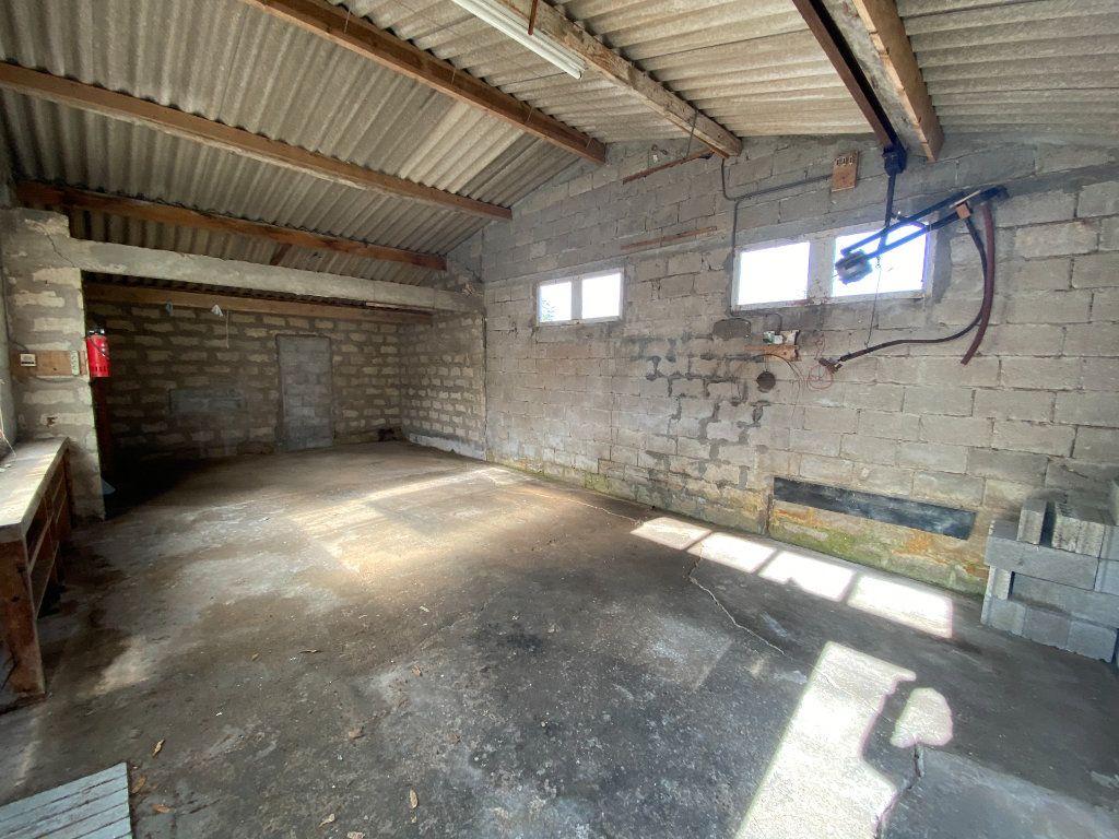 Maison à vendre 6 113.83m2 à Royan vignette-14