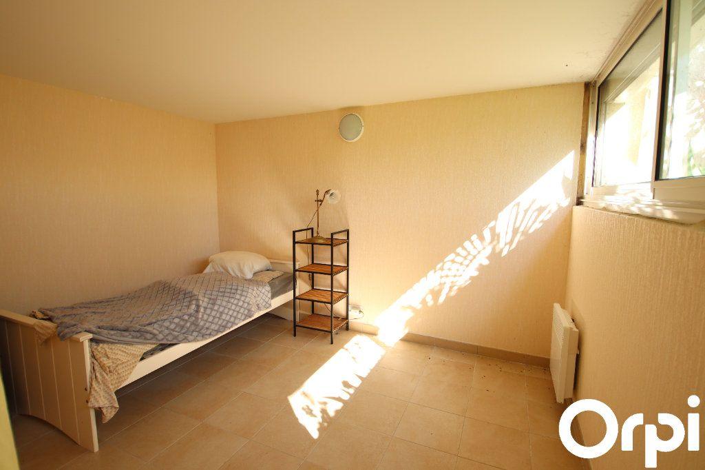 Maison à vendre 8 141.64m2 à Royan vignette-10