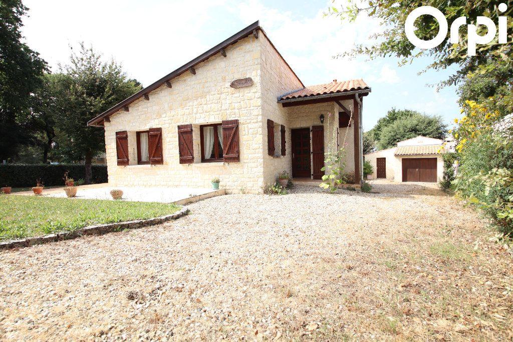 Maison à vendre 6 130m2 à Vaux-sur-Mer vignette-1