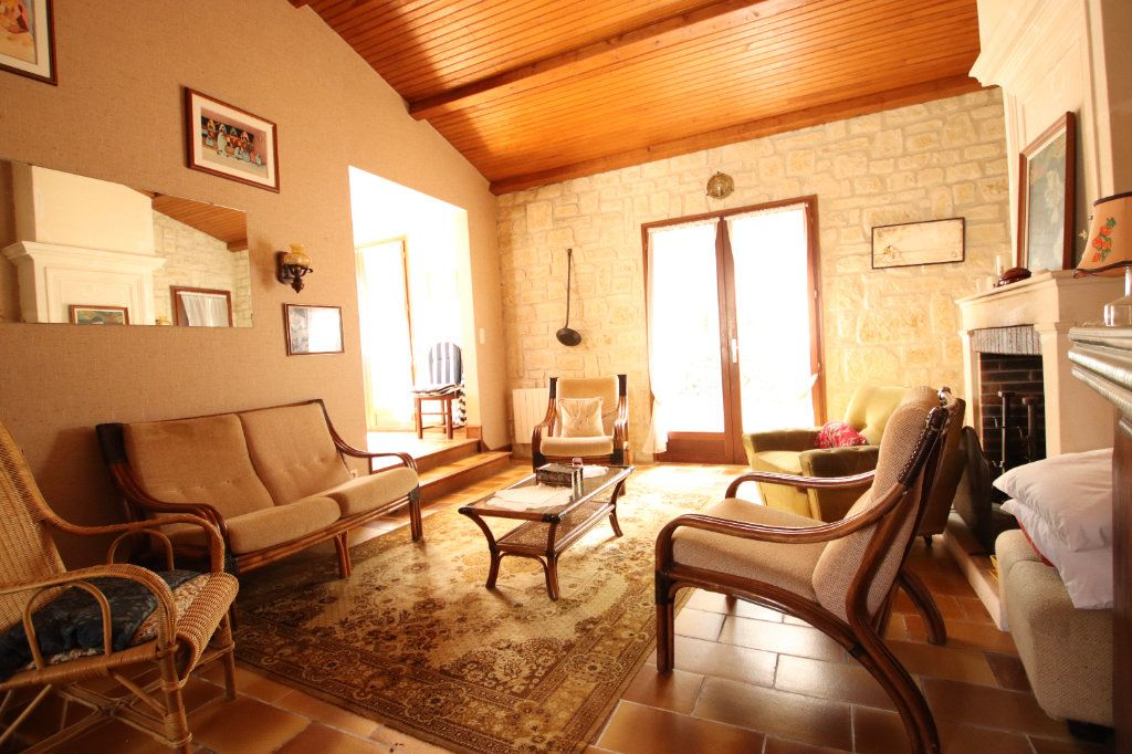 Maison à vendre 6 130m2 à Vaux-sur-Mer vignette-3