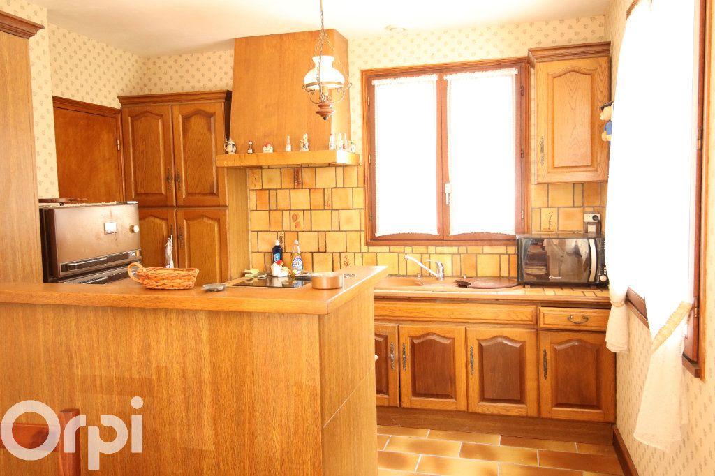Maison à vendre 6 130m2 à Vaux-sur-Mer vignette-4