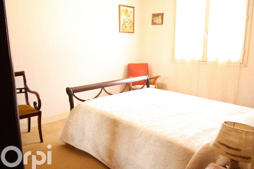 Maison à vendre 6 130m2 à Vaux-sur-Mer vignette-5