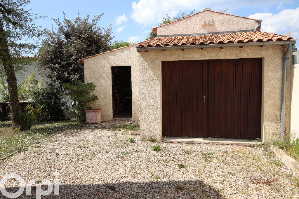 Maison à vendre 6 130m2 à Vaux-sur-Mer vignette-6