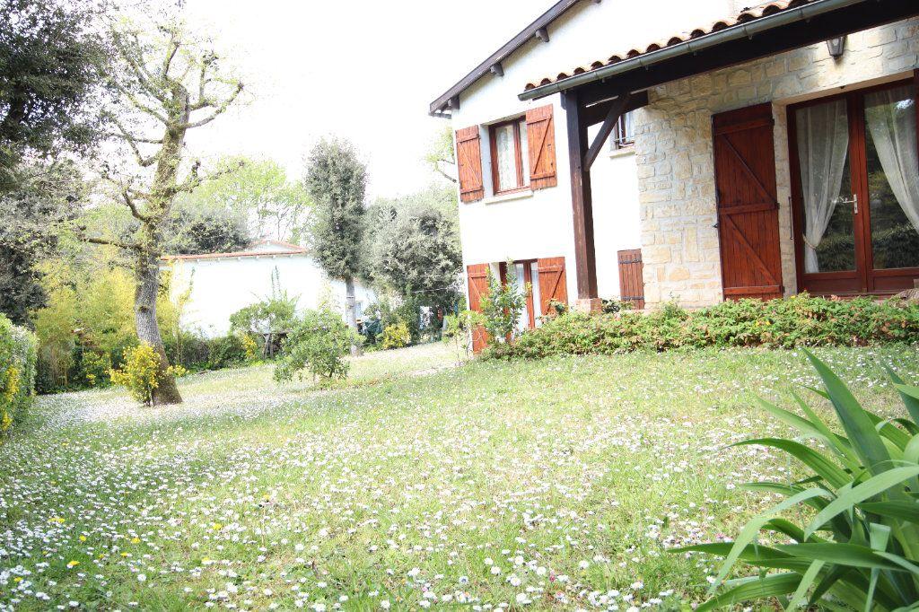 Maison à vendre 6 130m2 à Vaux-sur-Mer vignette-7