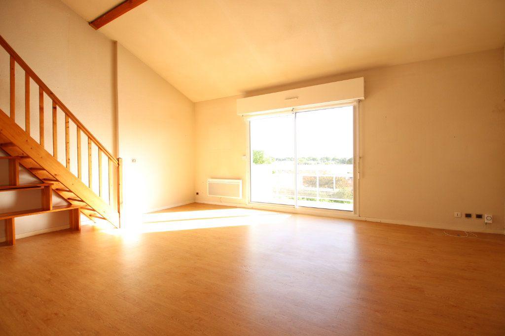 Appartement à vendre 4 86.76m2 à Royan vignette-2