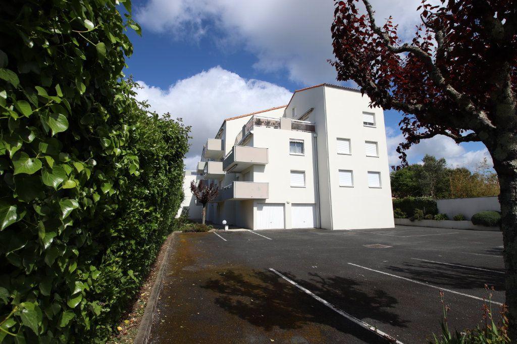 Appartement à vendre 4 86.76m2 à Royan vignette-3
