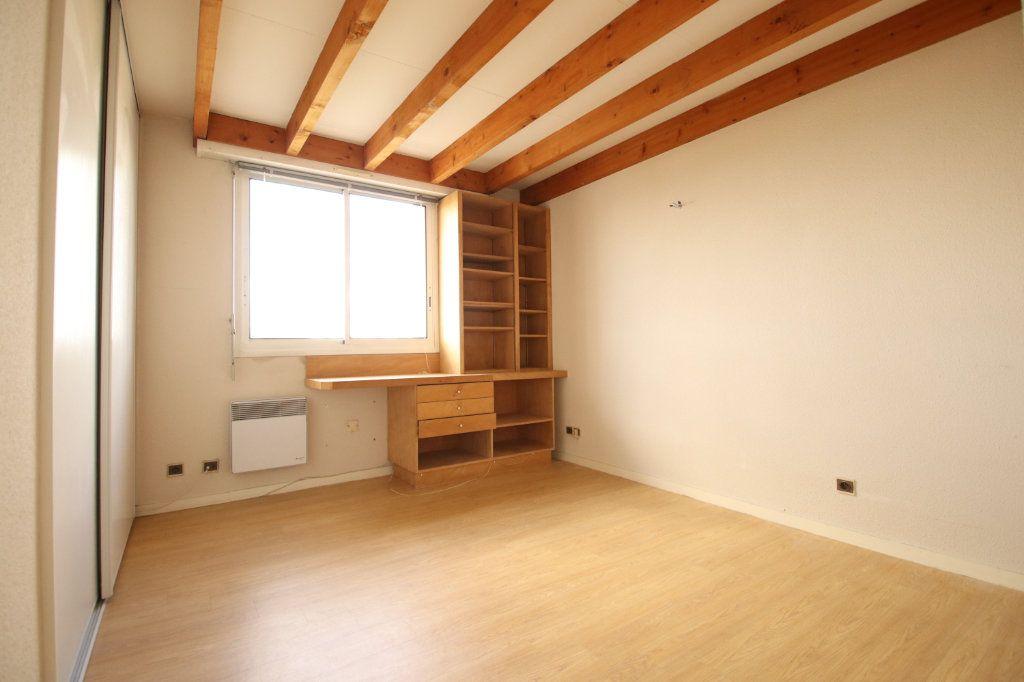 Appartement à vendre 4 86.76m2 à Royan vignette-4