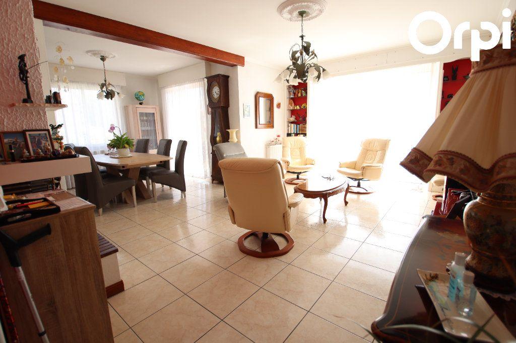 Maison à vendre 4 127.32m2 à Royan vignette-3