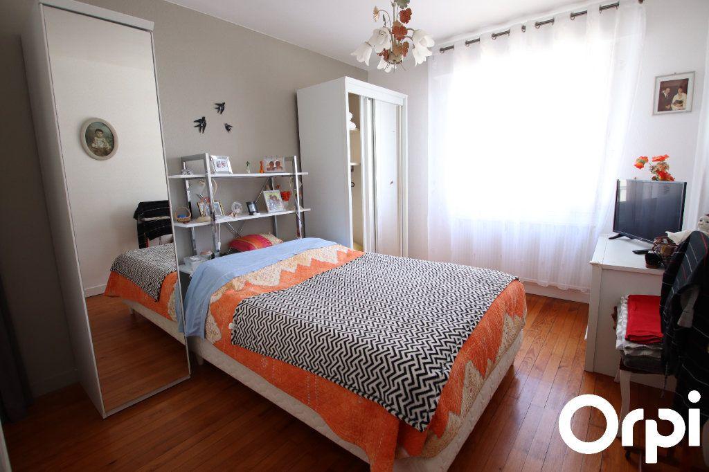 Maison à vendre 4 127.32m2 à Royan vignette-6