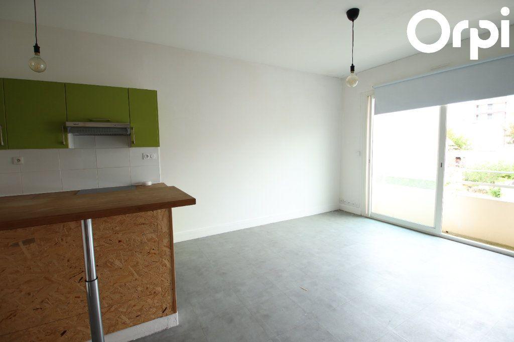 Appartement à vendre 2 44.38m2 à Royan vignette-1
