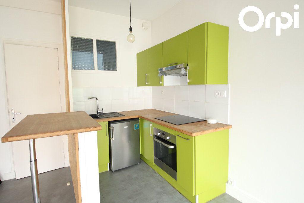 Appartement à vendre 2 44.38m2 à Royan vignette-3