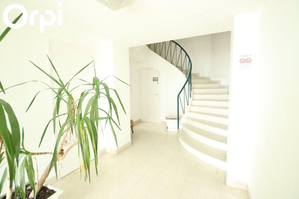 Appartement à vendre 2 44.38m2 à Royan vignette-6