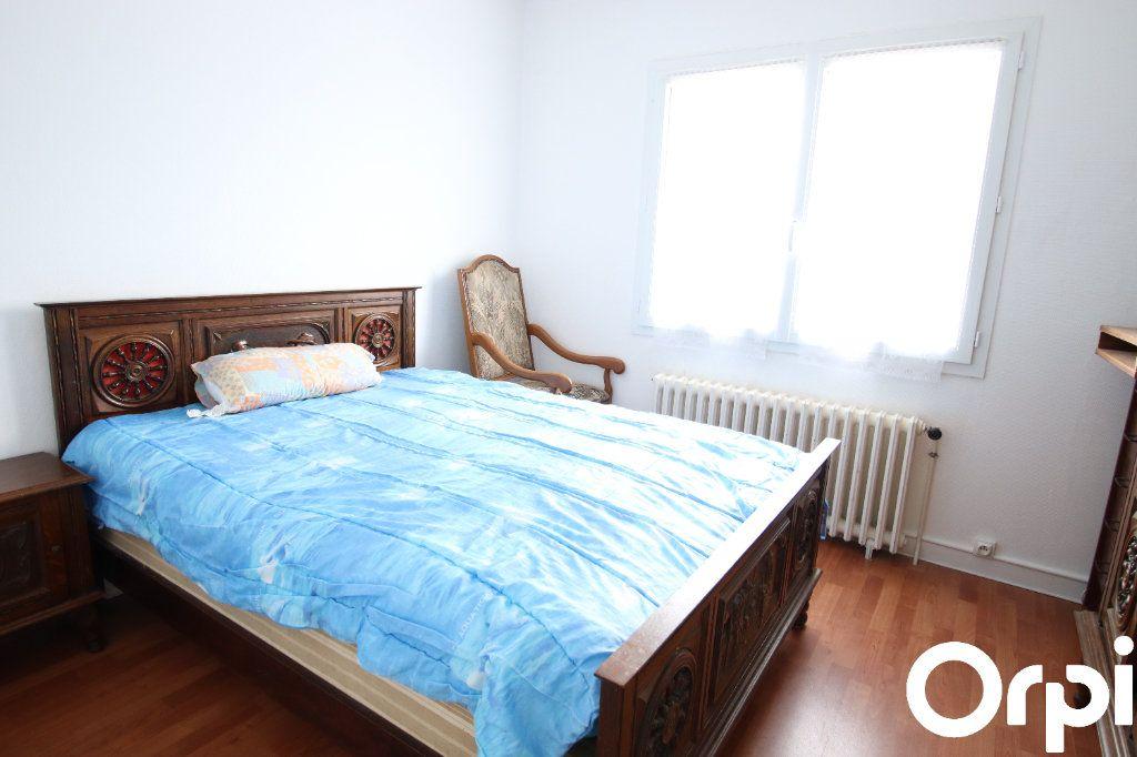 Maison à vendre 5 93.1m2 à Royan vignette-4