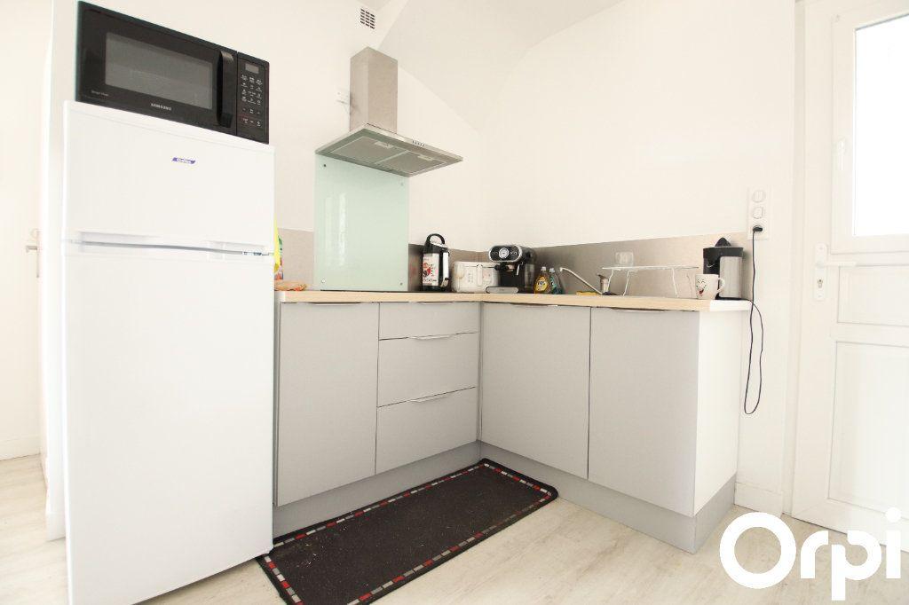 Appartement à vendre 1 30.09m2 à Royan vignette-2