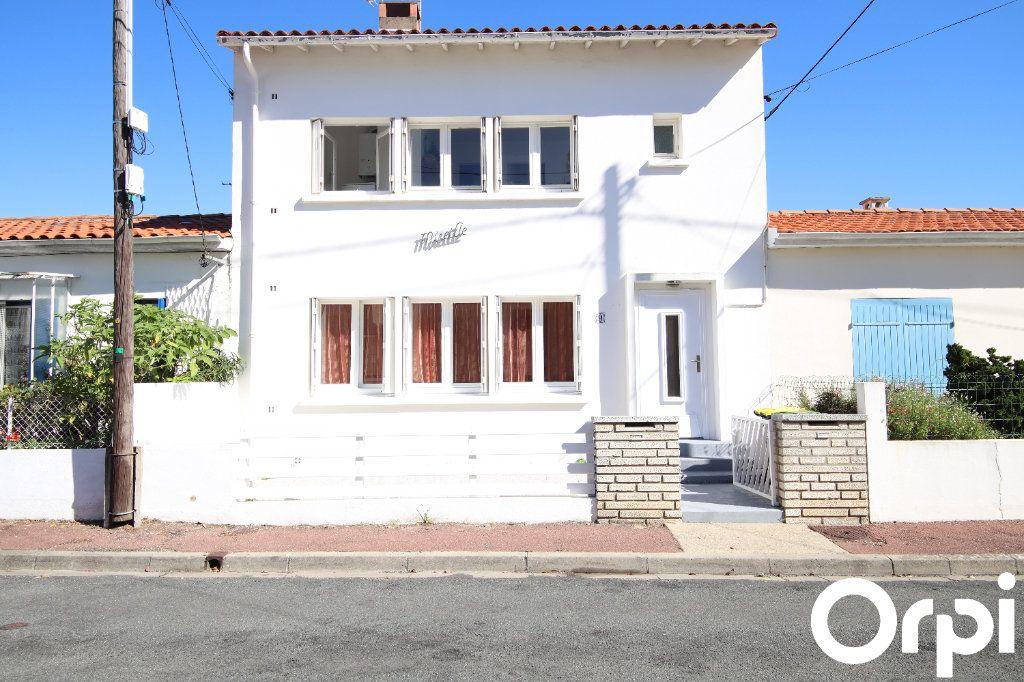 Maison à vendre 6 69m2 à Royan vignette-1