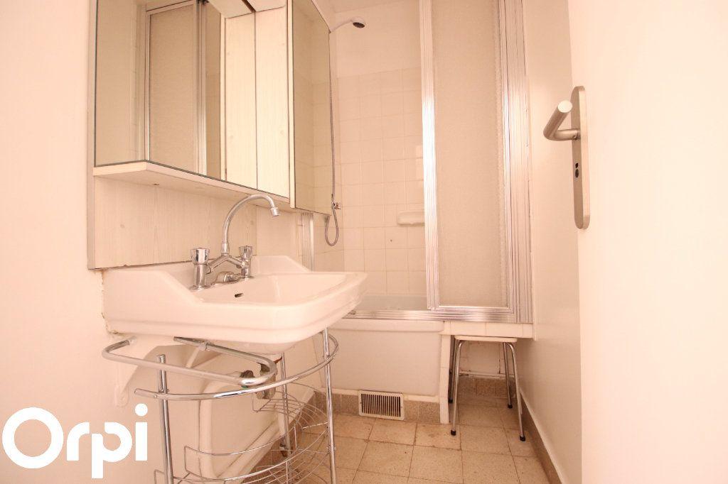 Maison à vendre 6 69m2 à Royan vignette-5