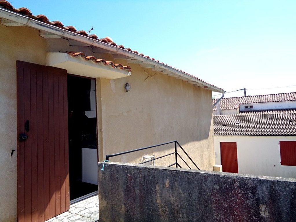 Maison à vendre 8 182m2 à Saint-Palais-sur-Mer vignette-3