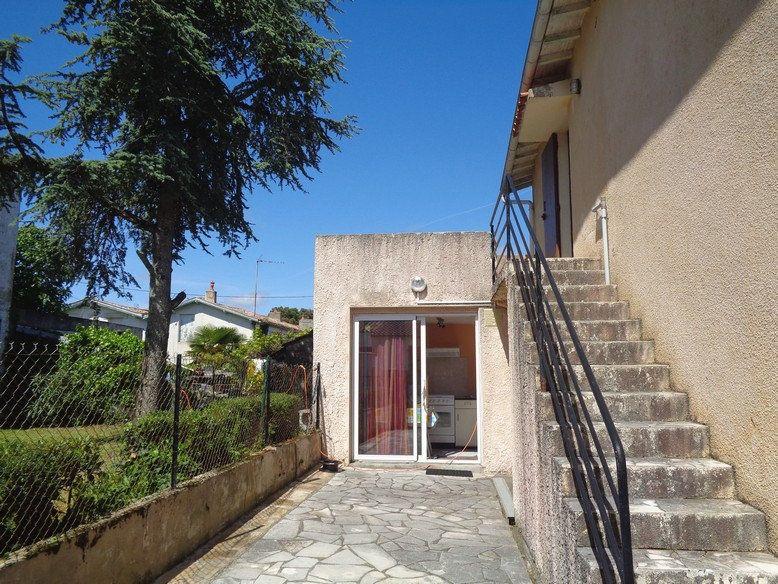 Maison à vendre 8 182m2 à Saint-Palais-sur-Mer vignette-4