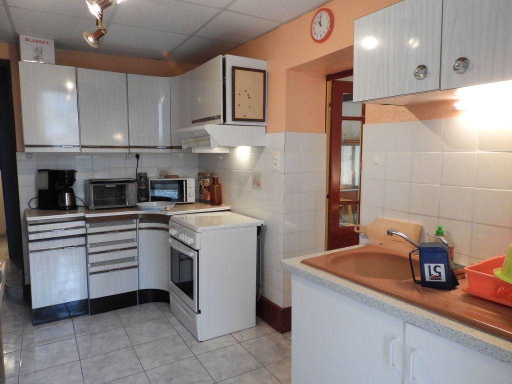 Maison à vendre 8 182m2 à Saint-Palais-sur-Mer vignette-7