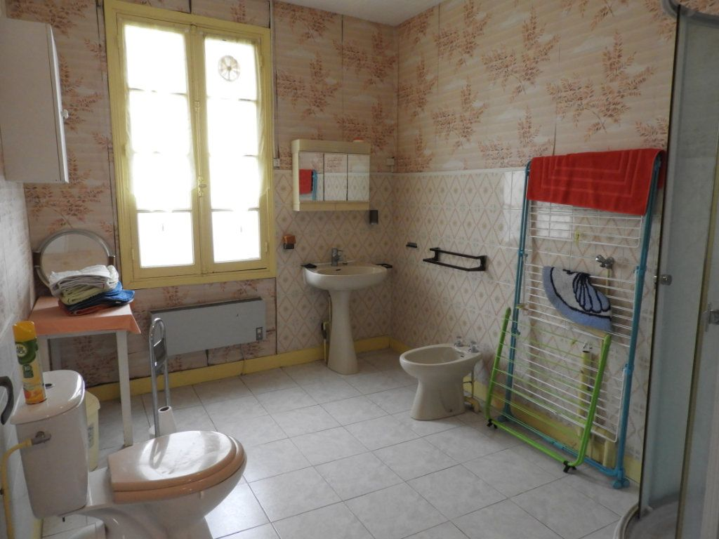 Maison à vendre 8 182m2 à Saint-Palais-sur-Mer vignette-17