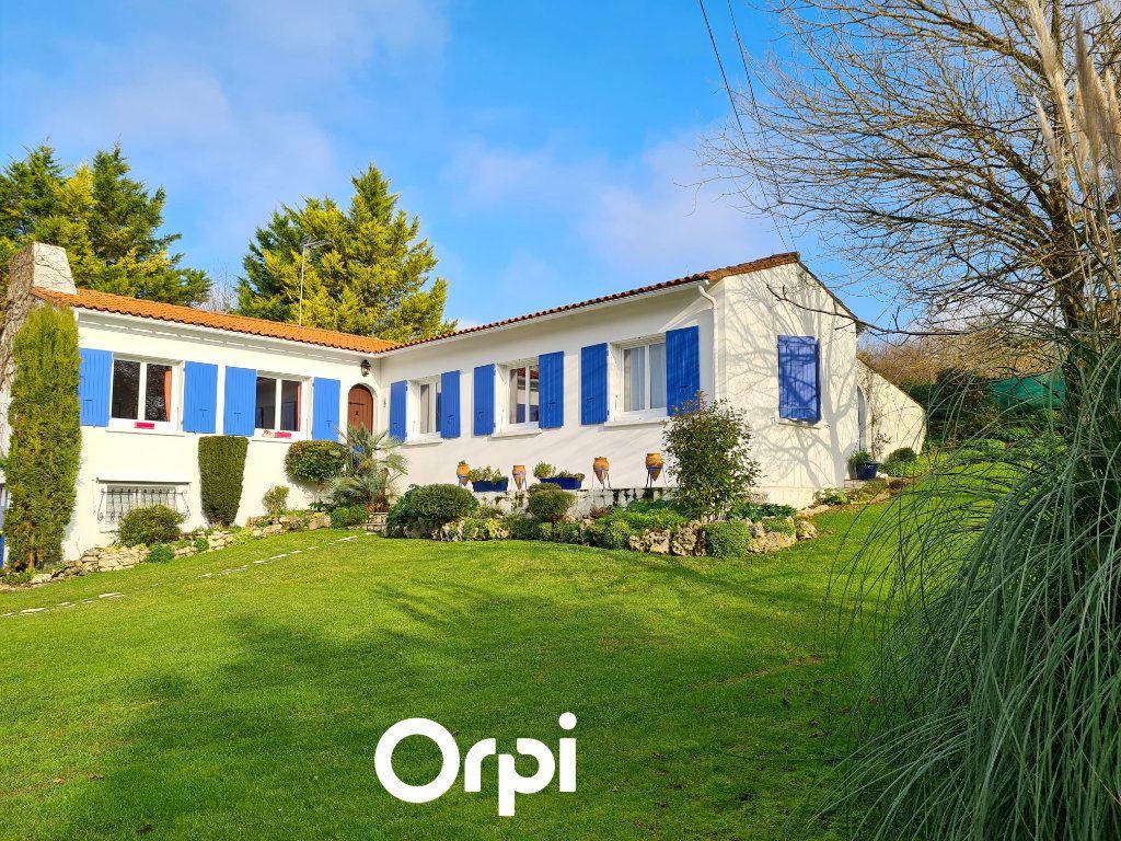 Maison à vendre 5 125m2 à Saint-Palais-sur-Mer vignette-1