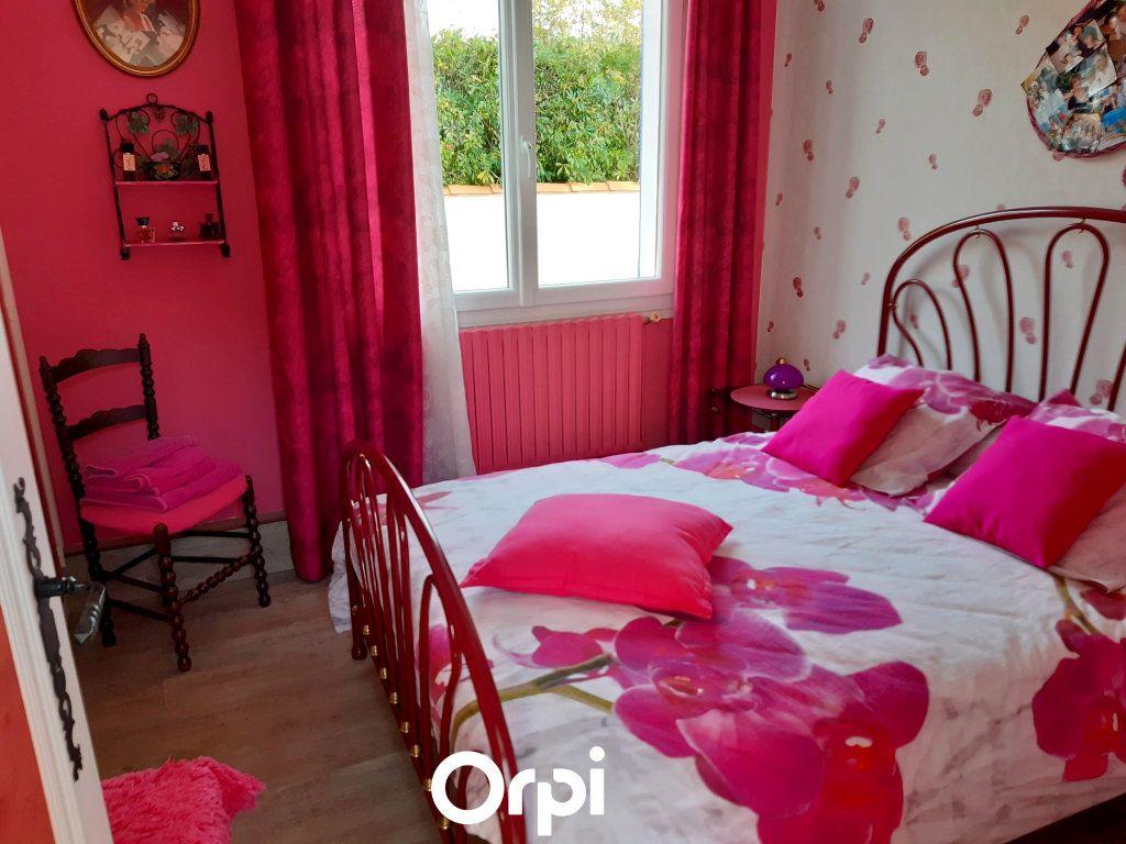 Maison à vendre 5 125m2 à Saint-Palais-sur-Mer vignette-9