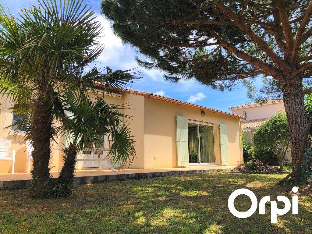 Maison à vendre 5 128m2 à Saint-Palais-sur-Mer vignette-1