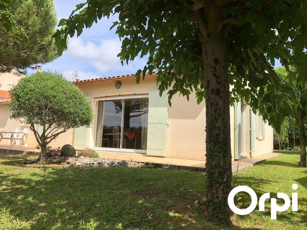 Maison à vendre 5 128m2 à Saint-Palais-sur-Mer vignette-2