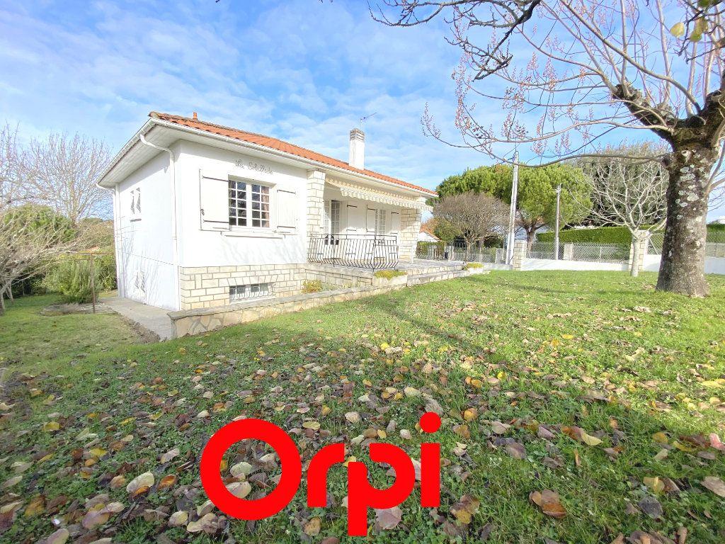 Maison à vendre 5 100m2 à Saint-Palais-sur-Mer vignette-12