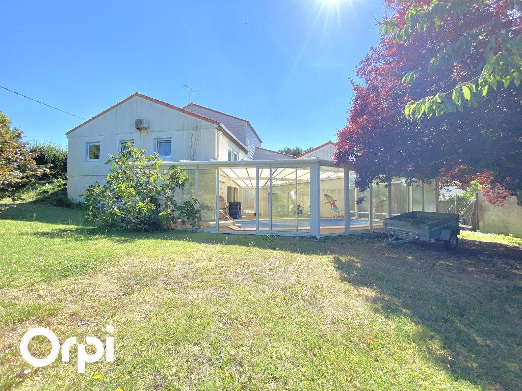Maison à vendre 8 200m2 à Saint-Palais-sur-Mer vignette-1