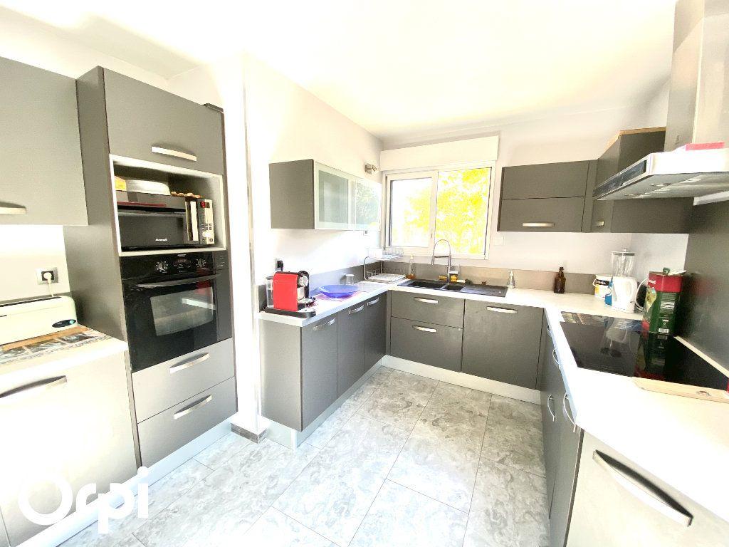 Maison à vendre 8 200m2 à Saint-Palais-sur-Mer vignette-3