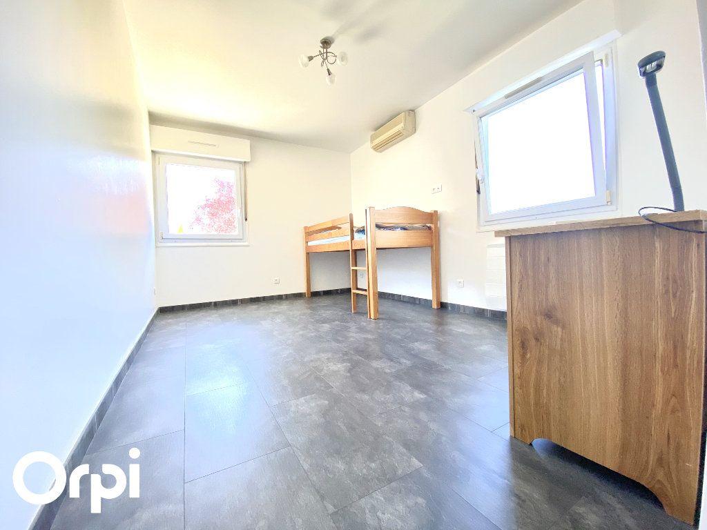 Maison à vendre 8 200m2 à Saint-Palais-sur-Mer vignette-6
