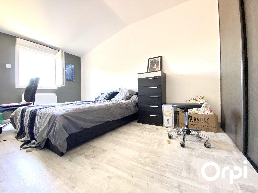 Maison à vendre 8 200m2 à Saint-Palais-sur-Mer vignette-11