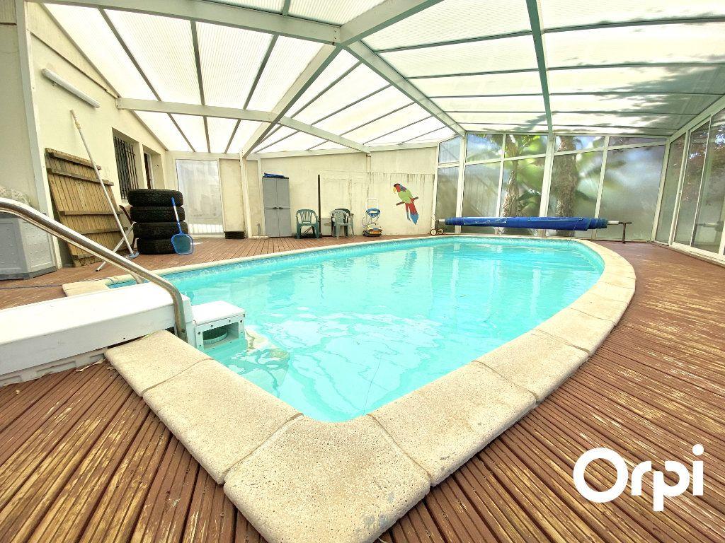 Maison à vendre 8 200m2 à Saint-Palais-sur-Mer vignette-12