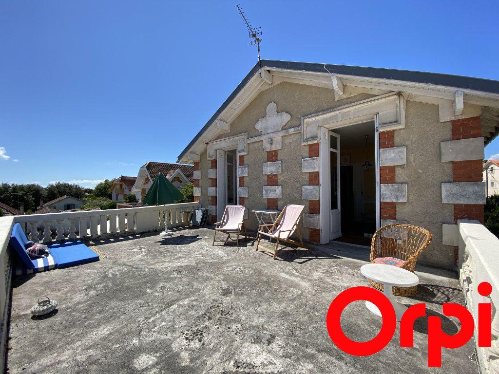 Maison à vendre 10 190m2 à Saint-Palais-sur-Mer vignette-2