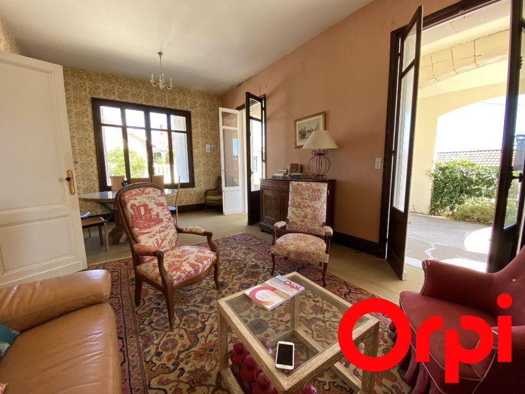 Maison à vendre 10 190m2 à Saint-Palais-sur-Mer vignette-5