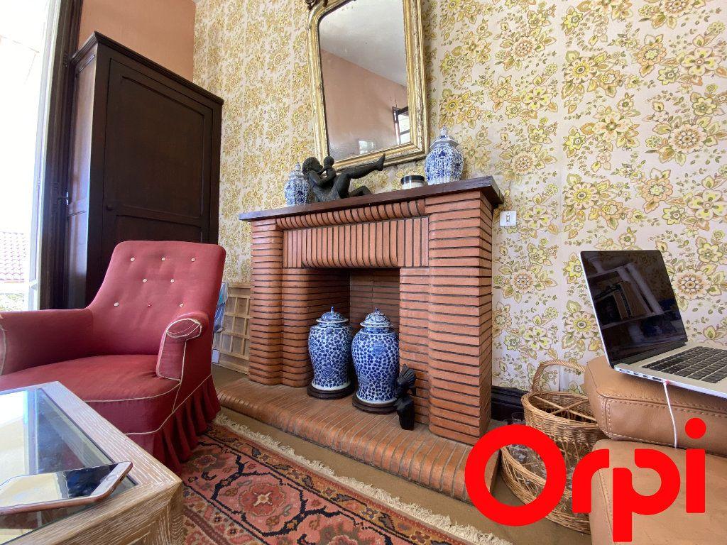 Maison à vendre 10 190m2 à Saint-Palais-sur-Mer vignette-6