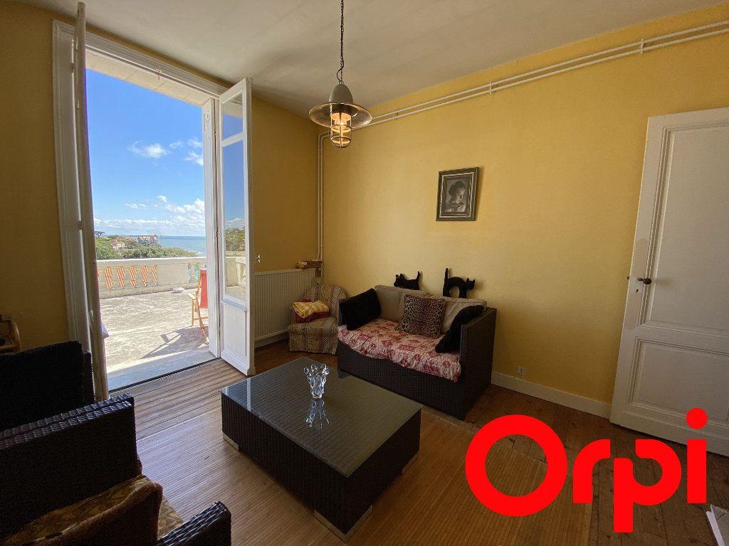 Maison à vendre 10 190m2 à Saint-Palais-sur-Mer vignette-8