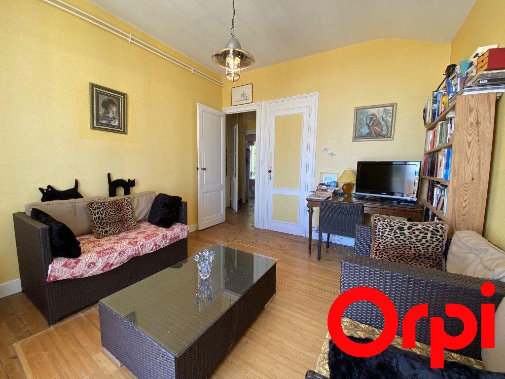 Maison à vendre 10 190m2 à Saint-Palais-sur-Mer vignette-9
