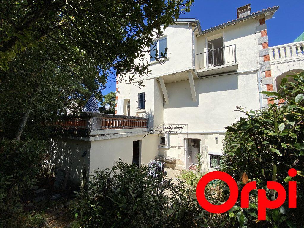 Maison à vendre 10 190m2 à Saint-Palais-sur-Mer vignette-15