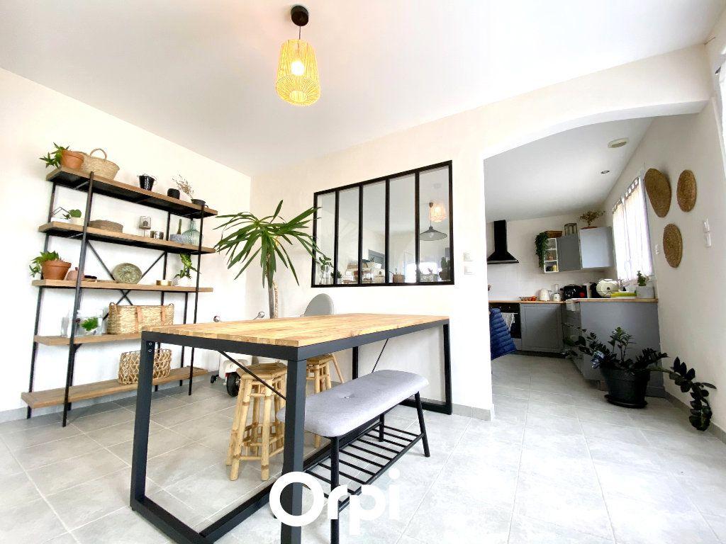 Maison à vendre 4 84m2 à Breuillet vignette-2