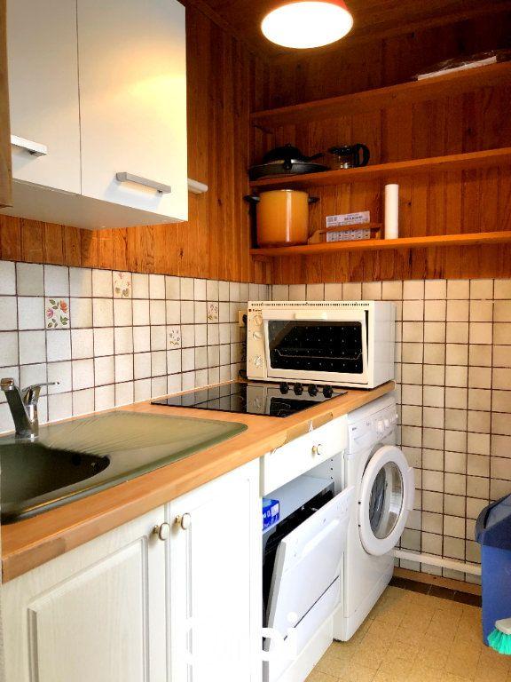 Maison à vendre 8 143.29m2 à Saint-Palais-sur-Mer vignette-5