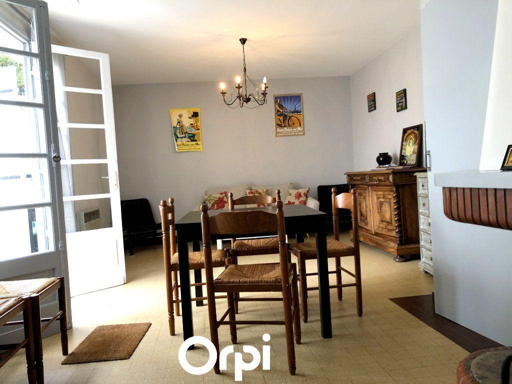Maison à vendre 8 143.29m2 à Saint-Palais-sur-Mer vignette-8