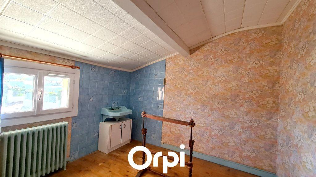 Maison à vendre 8 255m2 à Saint-Palais-sur-Mer vignette-5