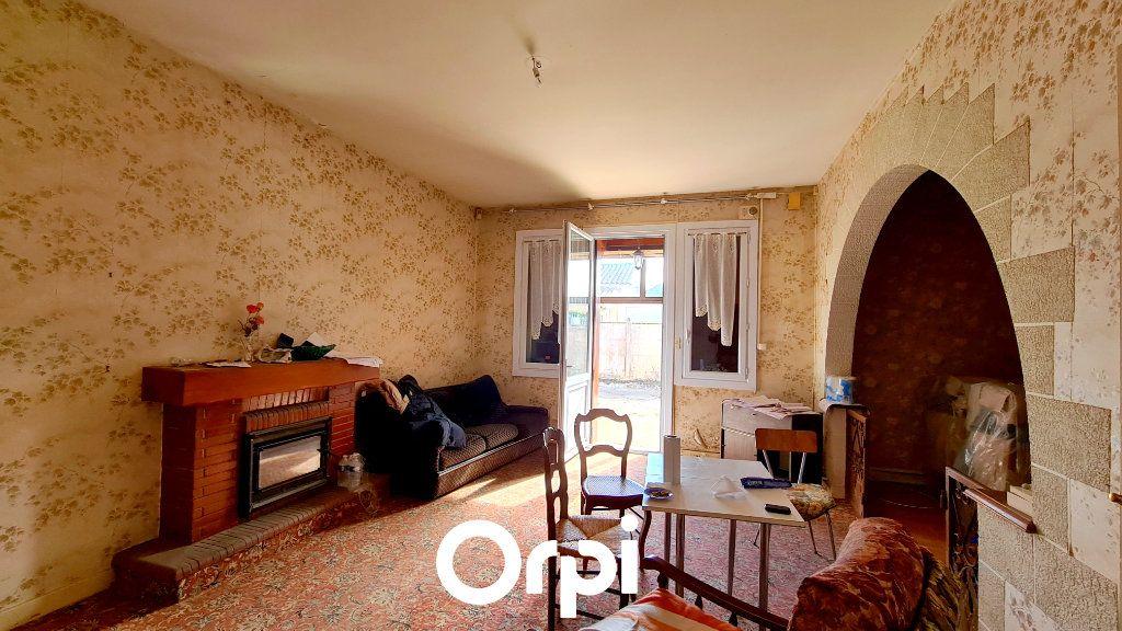 Maison à vendre 8 255m2 à Saint-Palais-sur-Mer vignette-7