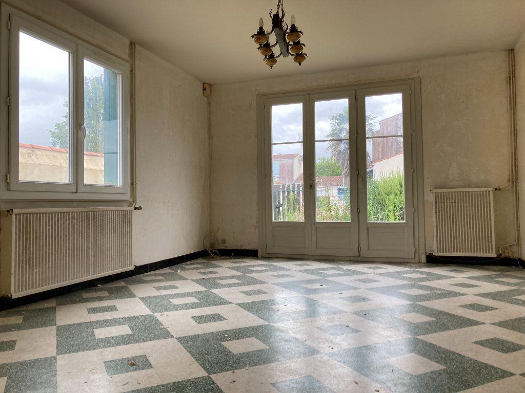 Maison à vendre 4 90m2 à Saint-Sulpice-de-Royan vignette-2