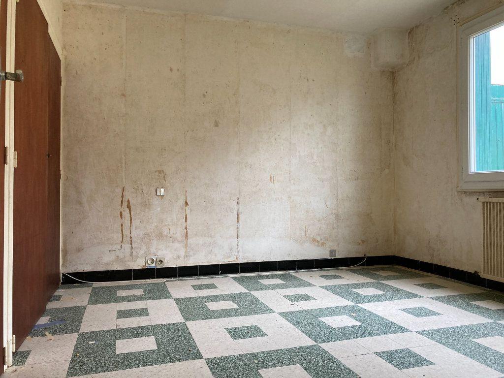 Maison à vendre 4 90m2 à Saint-Sulpice-de-Royan vignette-4